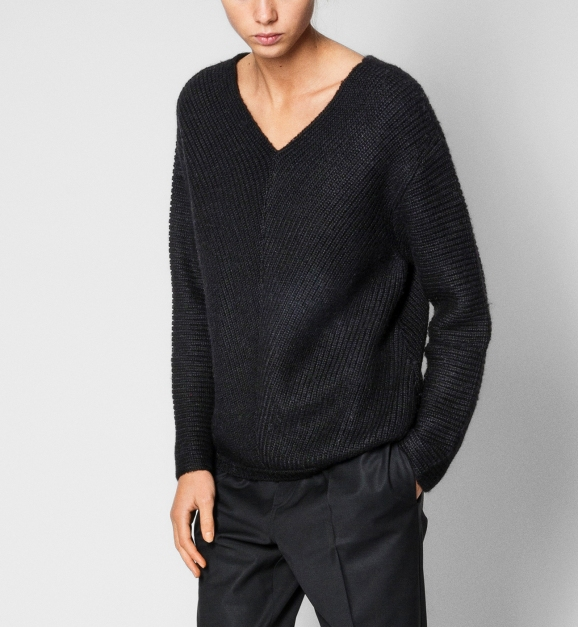 Aiayu_aw17_wear_olivia_black